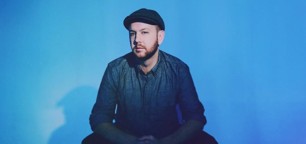 Впервые в Латвии выступит американский певец Мэтт Саймонс